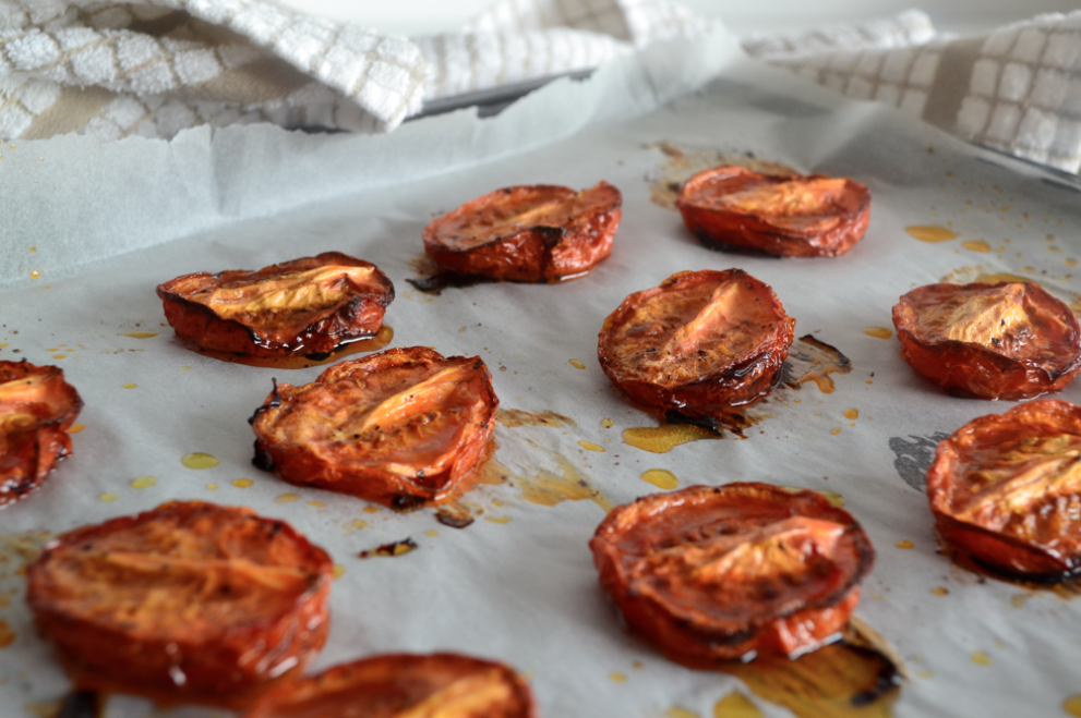 HOW TO # 1 // SLOW ROASTED TOMATOES