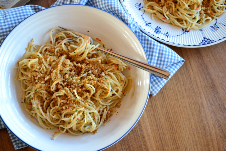 SPAGHETTI WITH GARLIC, CHILLI & OIL