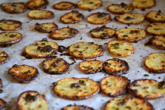 Roast potatoes with anchovies, parsley and garlic